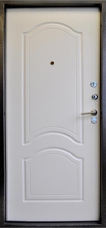Дверь металлическая с кованными элементами Серебро (внутр. вид)